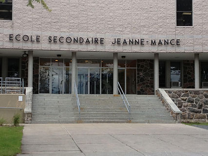 CSDC-Ecole-Jeanne-Mance-Batiment.jpg