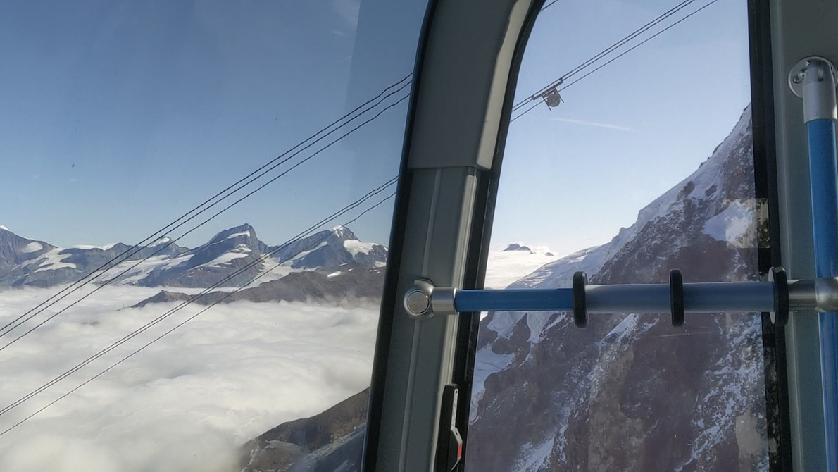 Cable car from Klein Matterhorn
