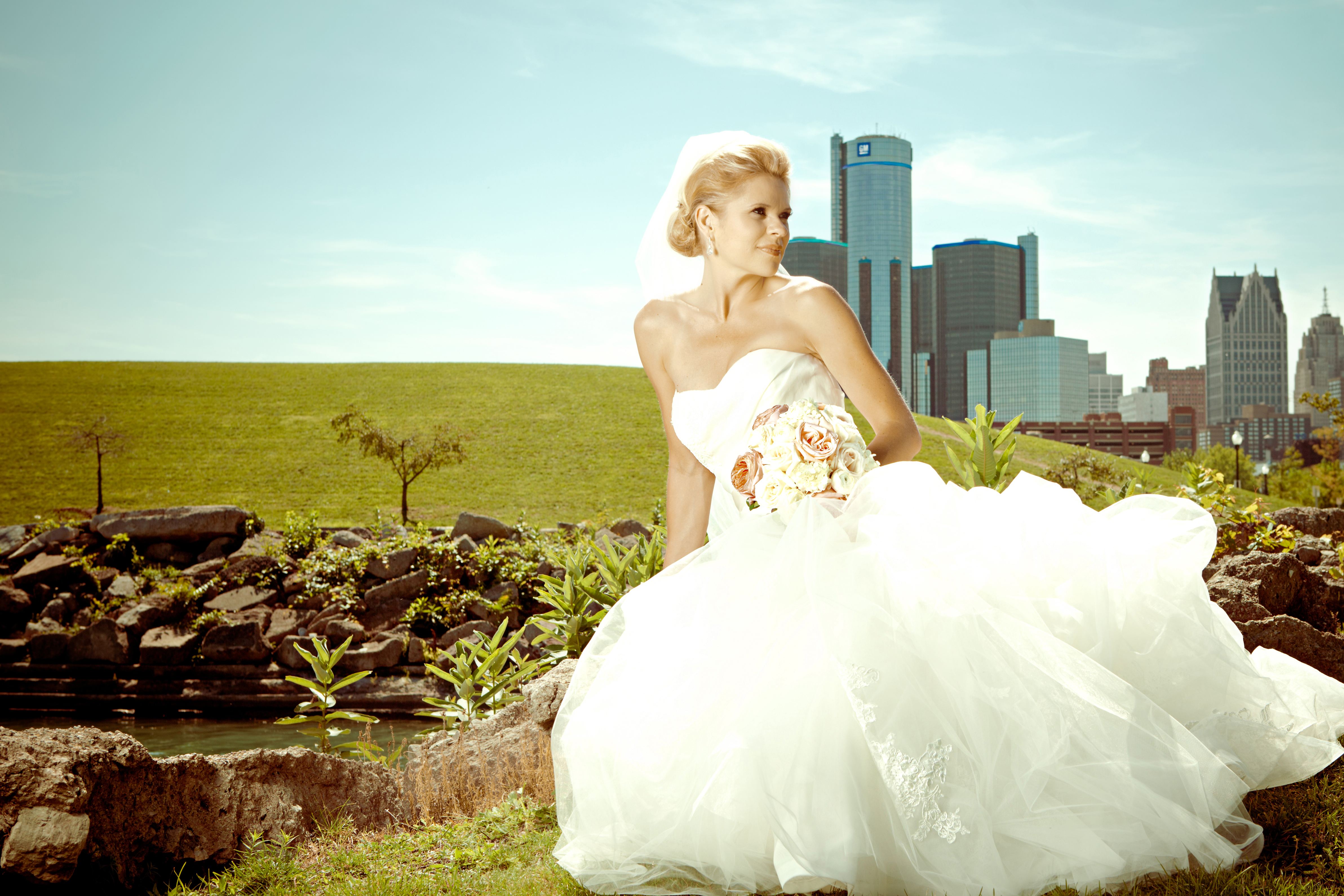 Downtown Detroit Wedding Photos