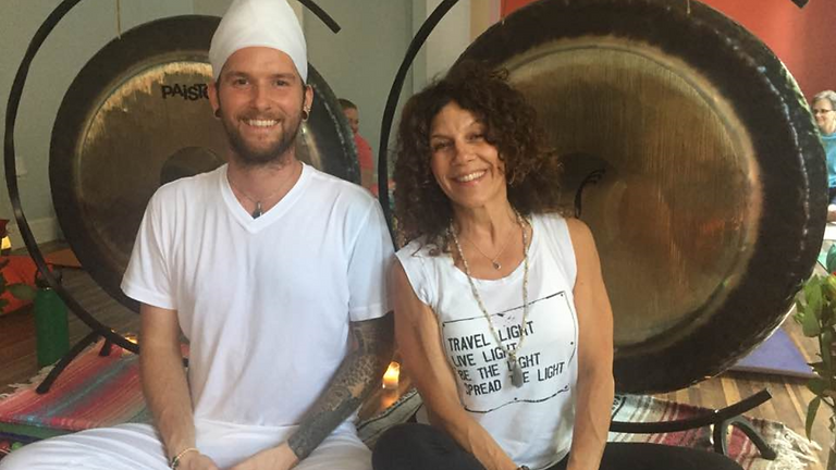 Candlelight Yoga & Gong Sounds Meditation with Aromatherapy & Essential Oils