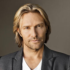 Eric Whitacre by Marc Royce 2.jpeg