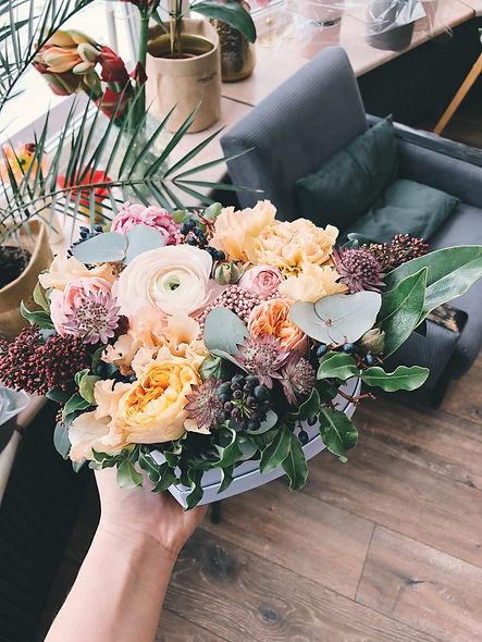 beautiful-blooming-bouquet-931171.jpg