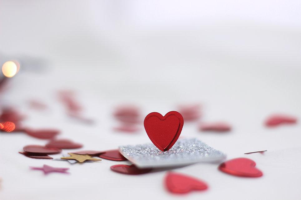 red-heart-shaped-ornament-3687981.jpg