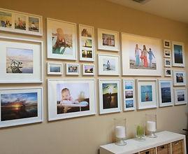 Семейные фото на стене.jpg