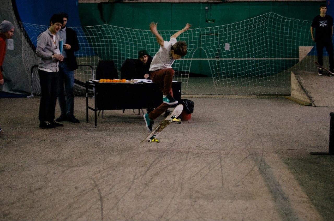 трюк на скейтборде