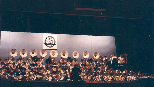 The Busy Bee Band & Honeybees perform as a whole in Showcase 2002