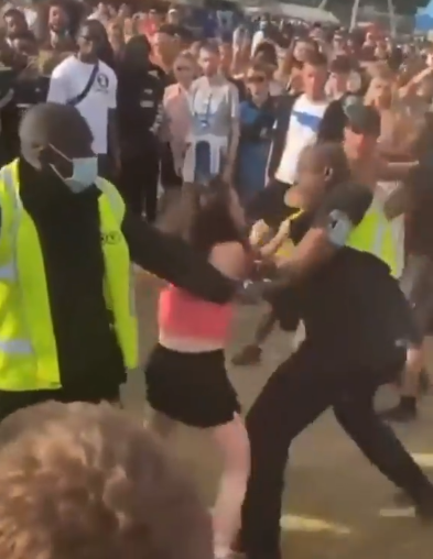 Security Guard 'SLAPS' Woman After She Lashes Out in Front of crowds at Wireless Festival