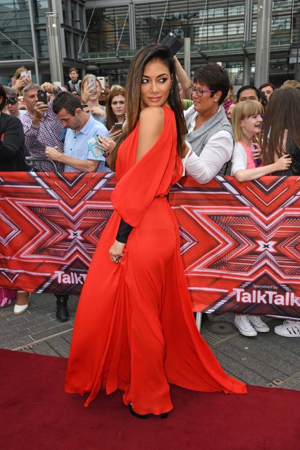 Stunning X-Factor Judge, Nicole Scherzinger In A Revealing Red Dress That Almost Caused An Embarrass