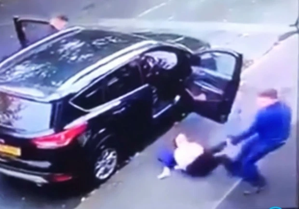 Terrifying moment carjackers drag mum of 3 from car before speeding off with her children