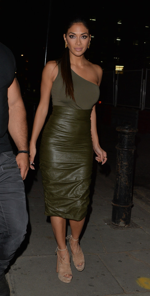 Super X-Factor Judge Nicole Scherzinger And Calvin Harris Are An Item They Were On A Night Out And A