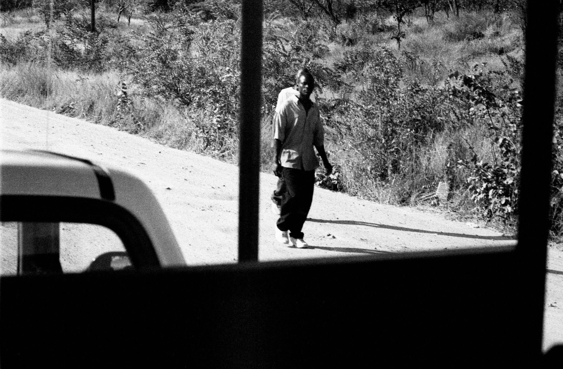 12_homens na estrada.jpg