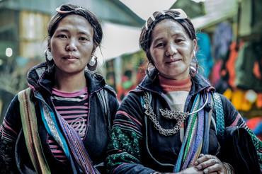 3_two_woman_sapa-3030.jpg