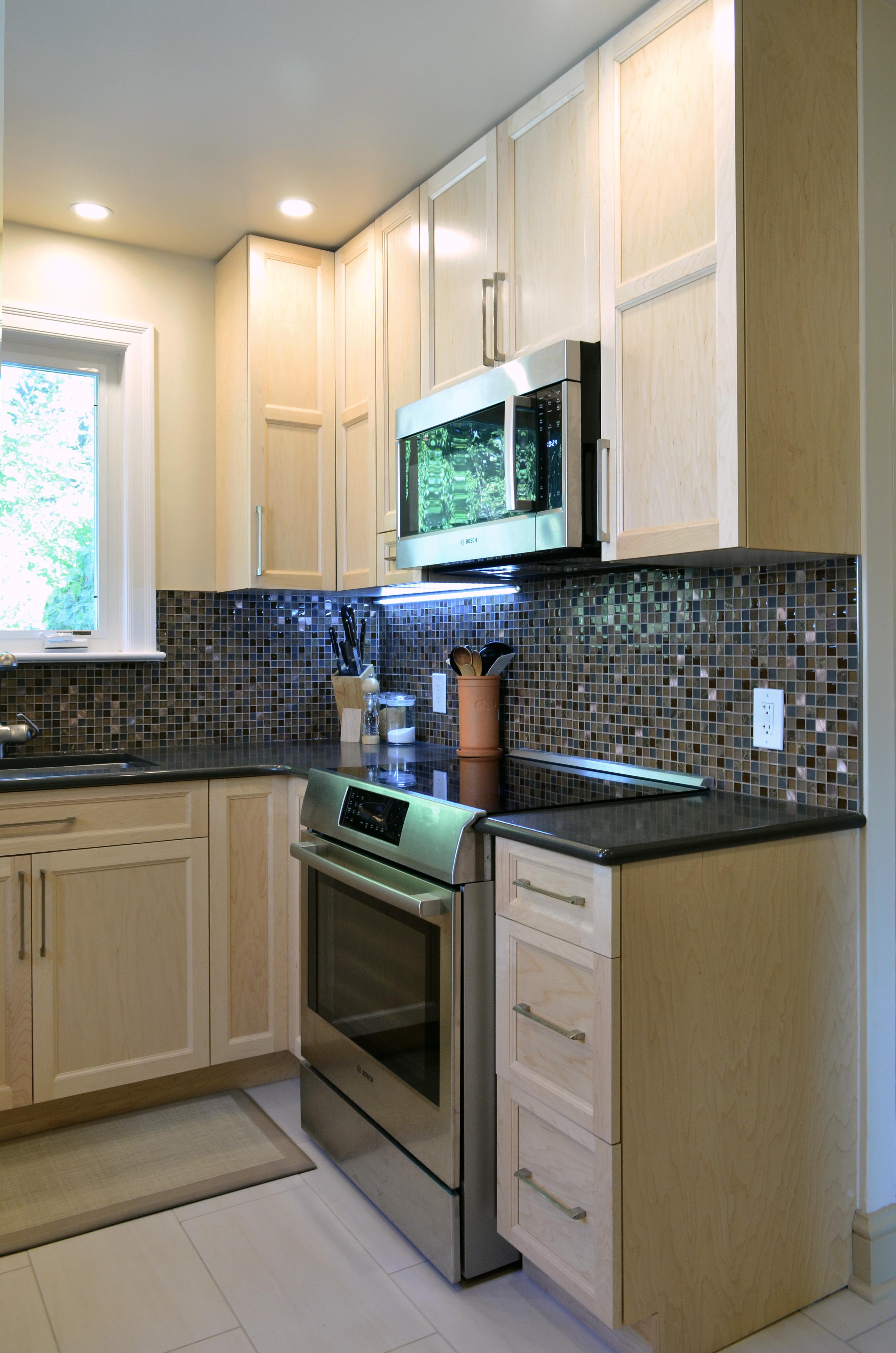 Natural Maple Shaker Kitchen