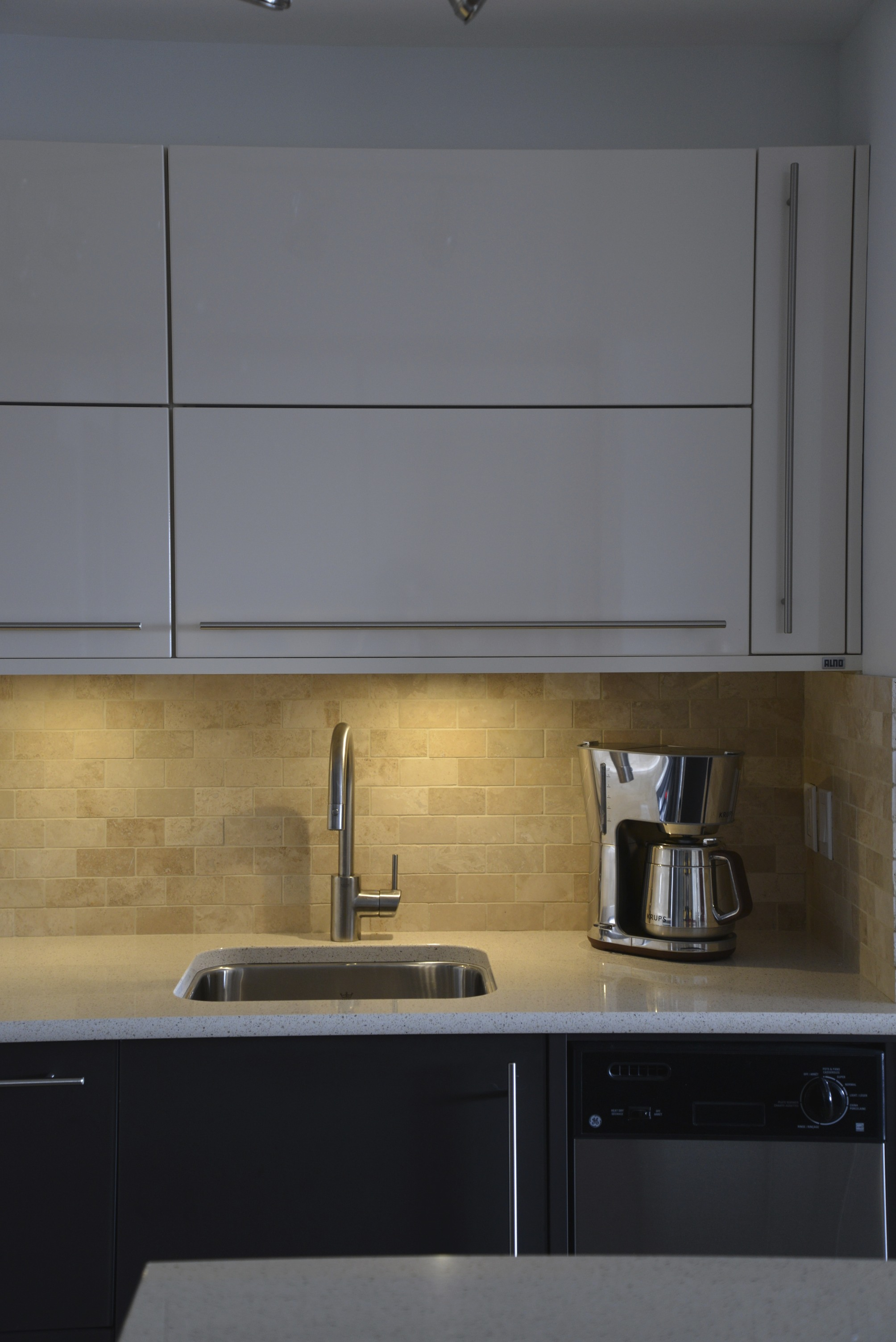 Under Cabinet Integrated Lighting