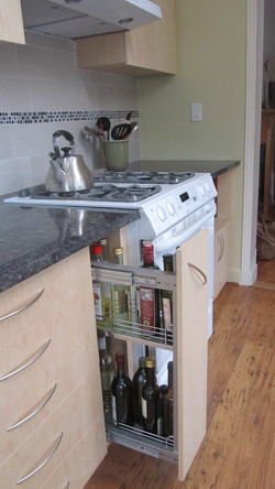 Pull-out Bottle + Spice Rack