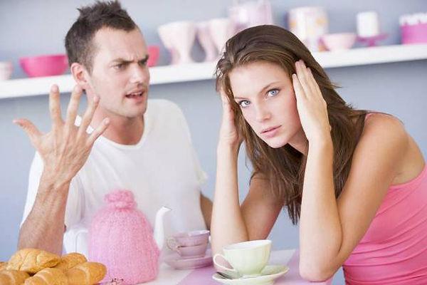 Почему муж критикует? Почему мужчина критикует?
