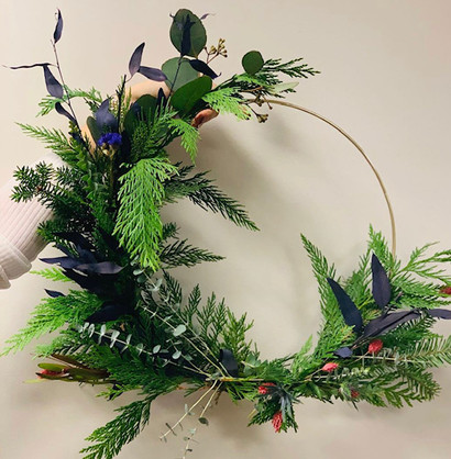 Asymetric hoop wreath