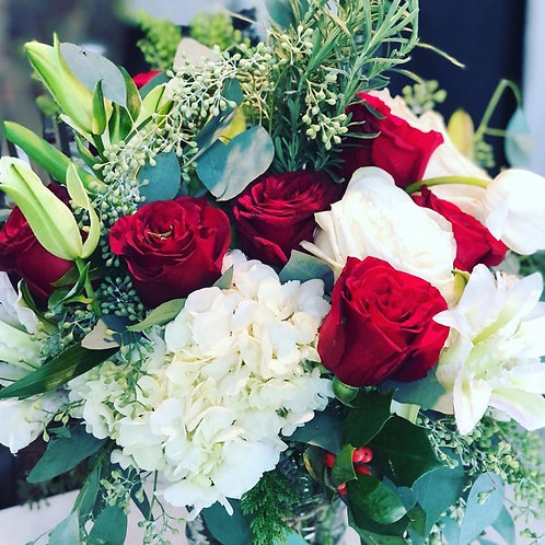 Holiday Flowers - Bouquet or Centerpiece