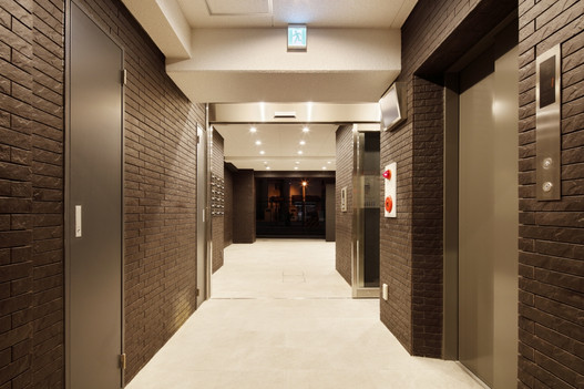 10_1階 EVホール.jpg