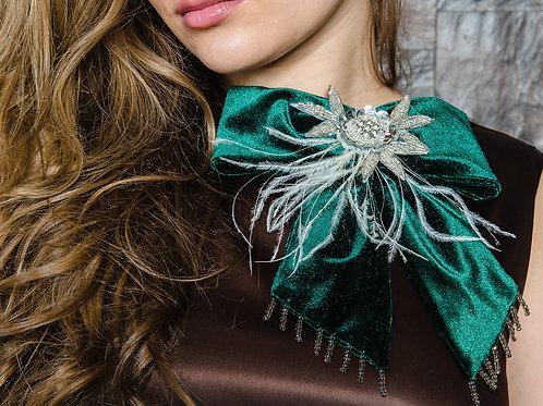 """Брошь-бант с перьями страуса """"Emerald green"""""""