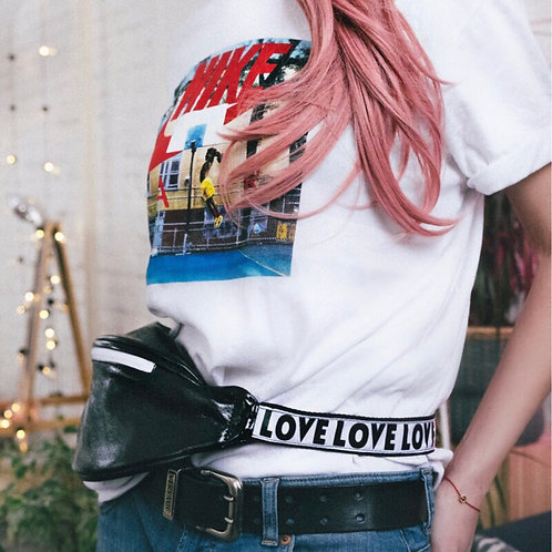 Поясная сумка «Love» в чёрном цвете