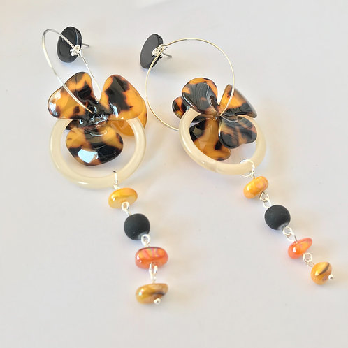 Серьги с леопардовыми цветами и стеклянными камушками