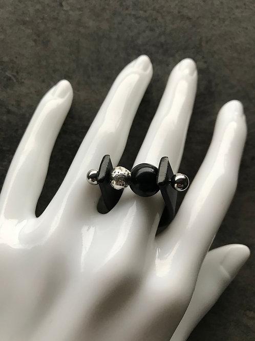 Кольцо с каучуком и лавой черное