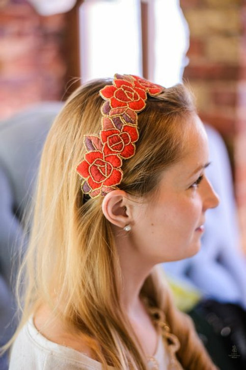Ободок с ручной вышивкой шерстью и бисером Красный