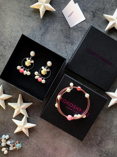 Комплект украшений «Мыши» с кораллом (серьги и браслет)