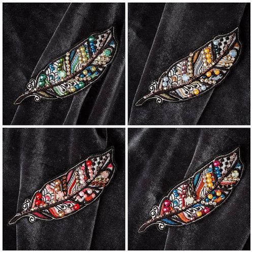 Брошь «Перо» в 4 цветах