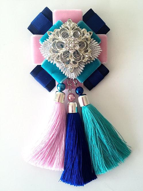 Брошь-эполет с кисточками Розово-голубая