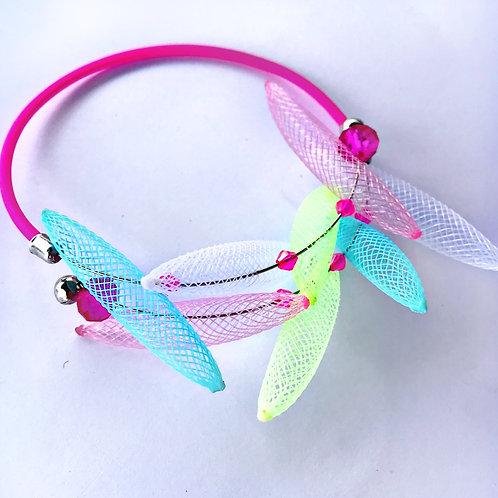 Браслет «Цветные пёрышки» розовый неон