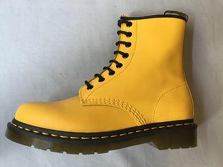 8T jaune