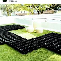 O_início_da_montagem_de_um_telhado_verd