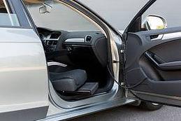 Schwenksitz für Fahrzeuge mit niedrigem Einstieg