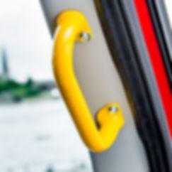 Haltegriffe sind ideal um das Ein- und Aussteigen aus Fahrzeugen zu erleichtern
