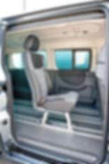 Flexus Fahrzeugsitz hochfest mit integriertem 3-Punkt-Gurt und separater Kopfstütze Haltegriff für alle gängigen Transporter Einzelsitz, Doppelsitz, 3er Sitz