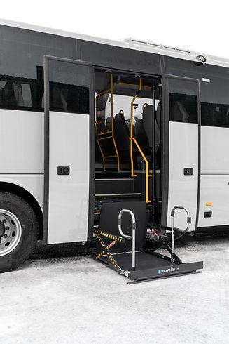 Reisebus Rollstuhllift