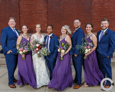 Medium wedding party