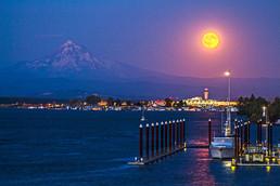 Moonrise in Portland