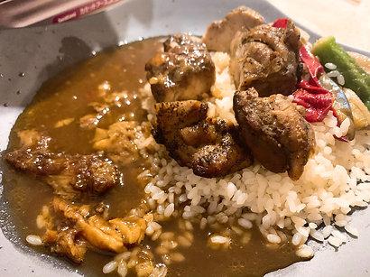 艶鍋と牛骨Wスープの極上カレー
