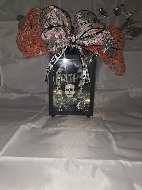 Skull Lantern (With Lights)
