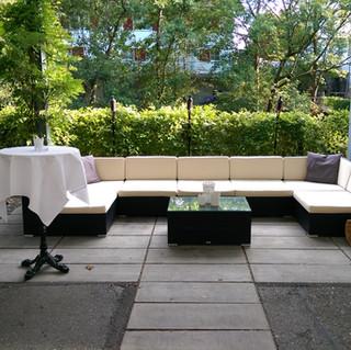 Lounge vor dem Kochstudio