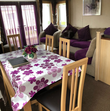 ST 123 dining area