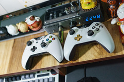 console-decorations-display-245252