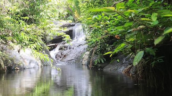 Arutayan Falls 2.jpg