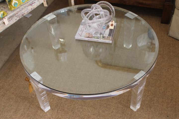 H- Studio Round Apex Table