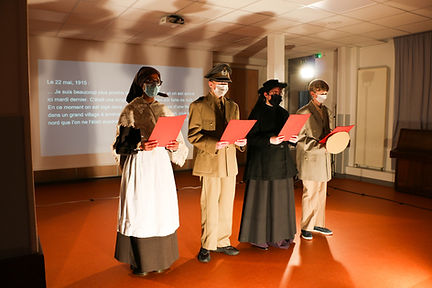 Lettres Poilus 3eA spectacle-6.jpg