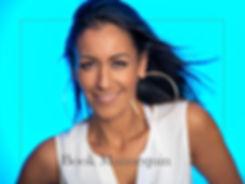 portrait,moving,blue,studio,advertising,publicite