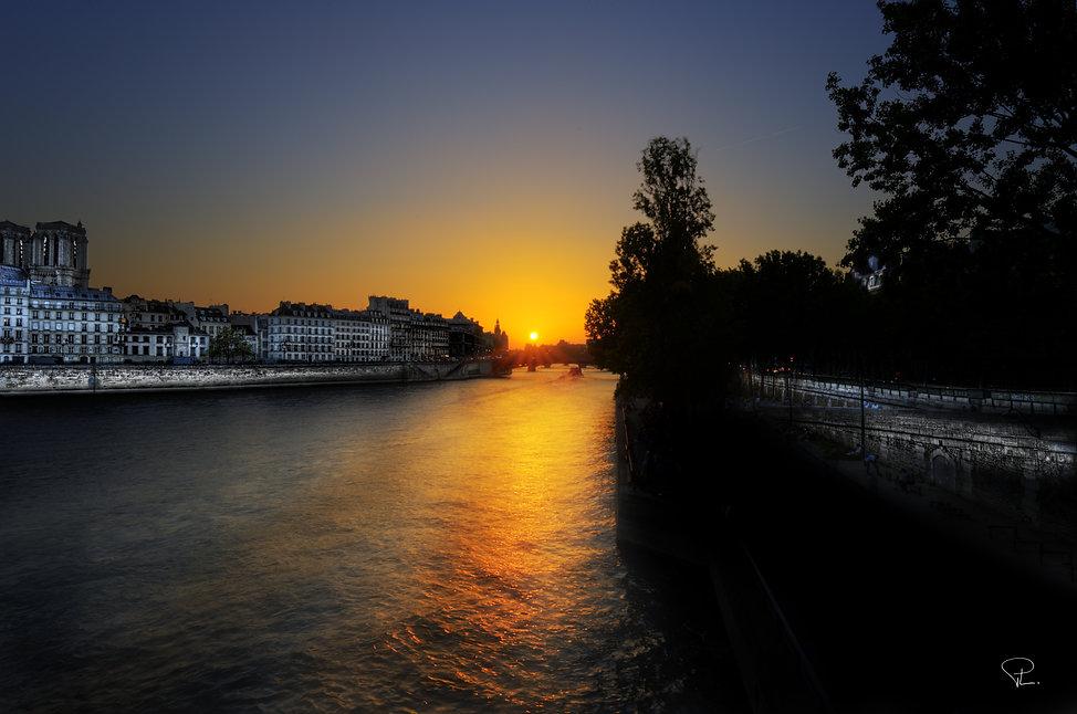 Sunset, la seine, reportage, paris, amour, street photography, blackandwhite, love, romantique